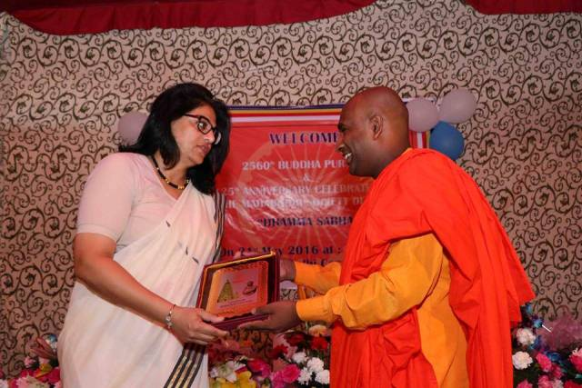 VC Gopa Sabharwal being felicitated at the Maha Bodhi Society Celebrations